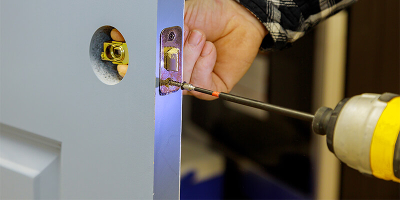 24-7 Locksmith Solutions and Professional Hands! - Veritas Locksmith Brookline MA